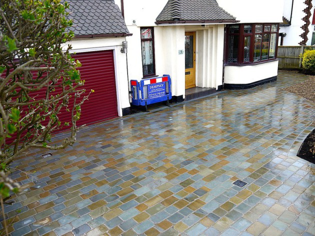 Natural stone sett driveway Liverpool by Dempsey