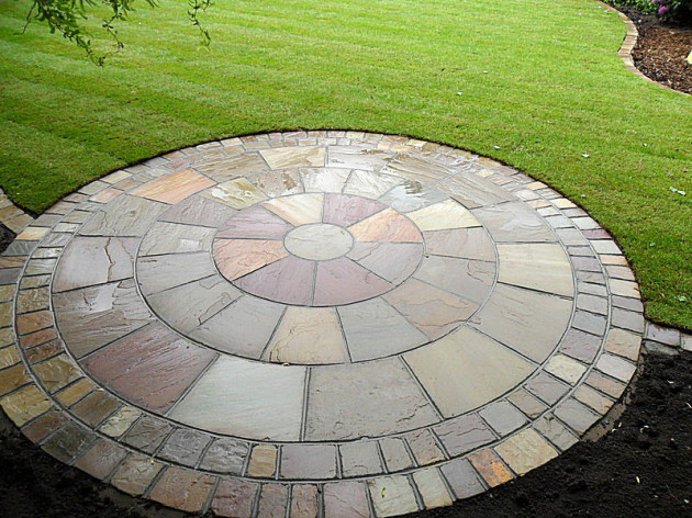 Natural stone paving features for Liverpool