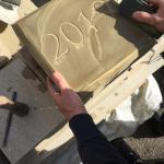 Hand polishing sandstone 2019 date stone